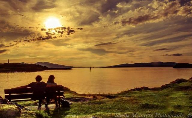 460913-sunset-in-oban-for-scotland-by-the-roadside
