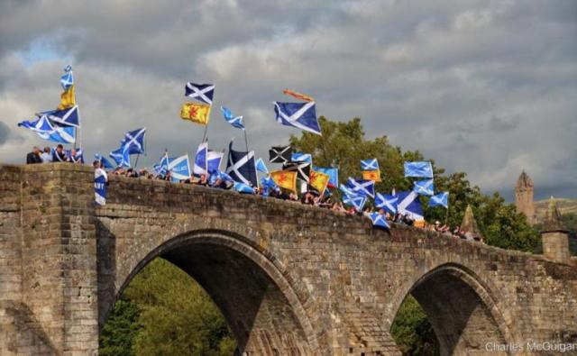 476596-march-across-stirling-bridge-by-charles-mcguigan